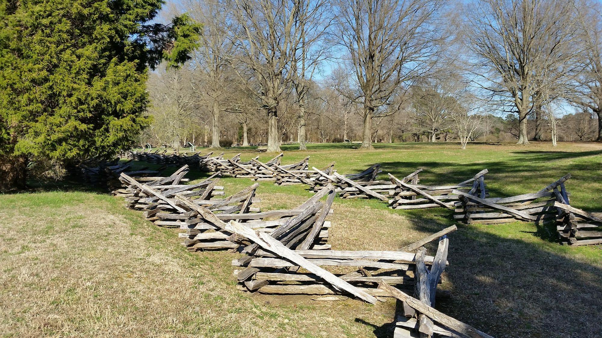 Authentic split rail fence posts and rails bark house - Rustic wood fences a pastoral atmosphere ...