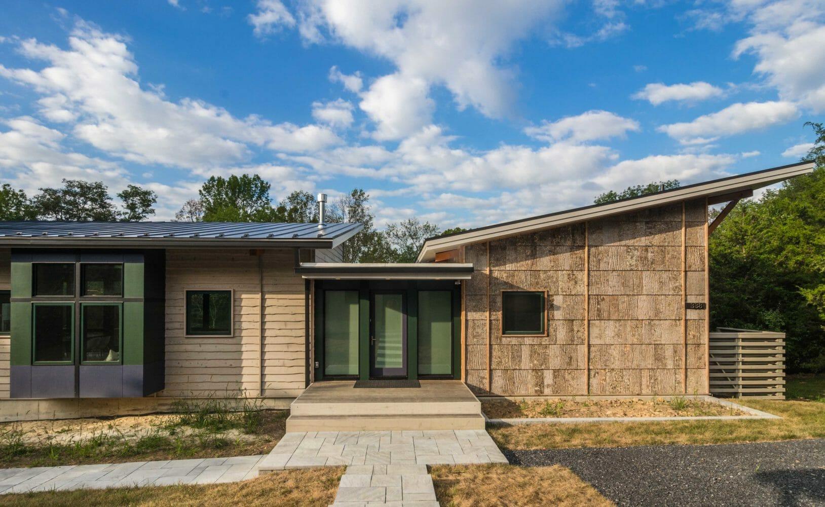 bark-house-exterior-poplar-bark-siding-Camusrory-01