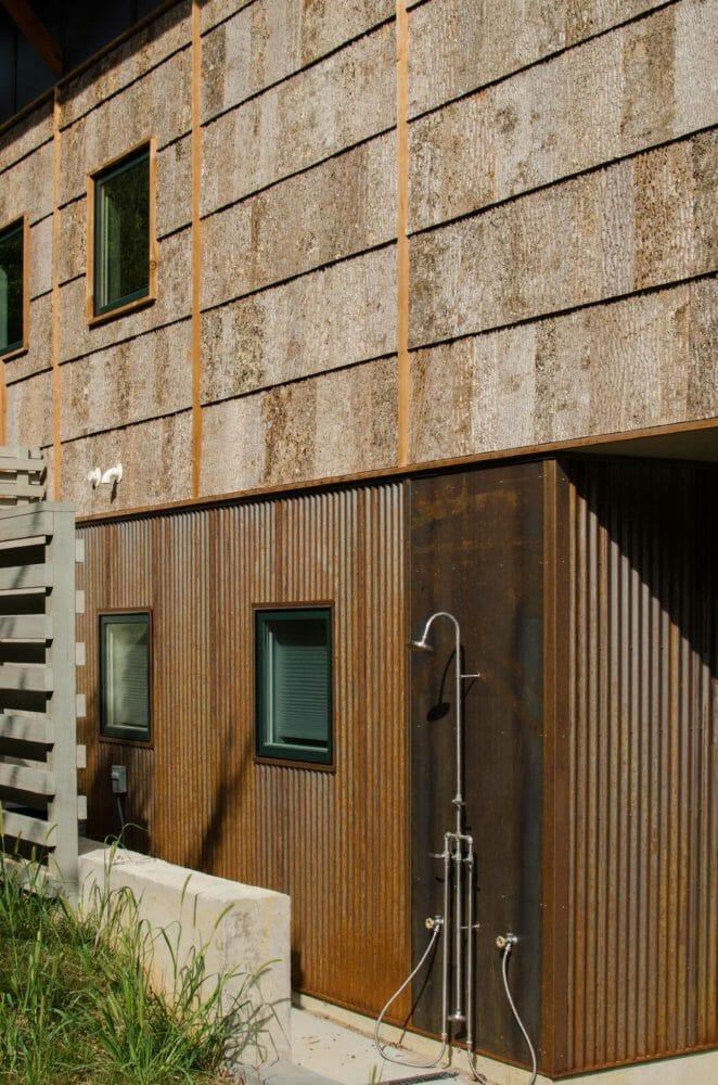 bark-house-exterior-poplar-bark-siding-Camusrory-04